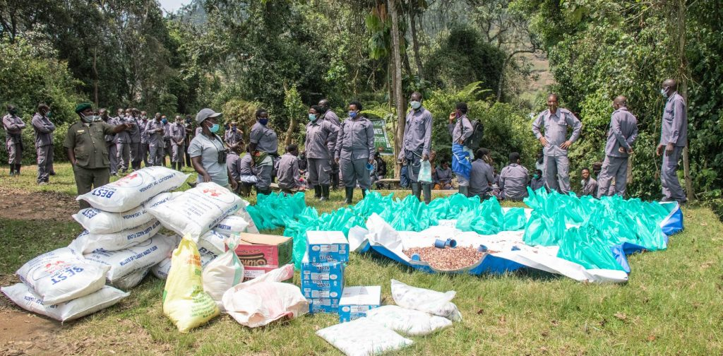 Gorilla porters received relief food